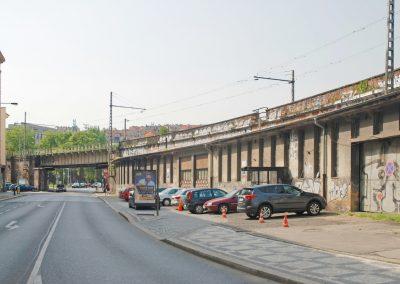 Most přes ulici Prvního pluku - původní stav
