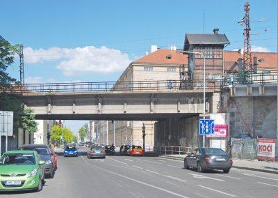 Most přes ulici Křižíkovu - stávající stav