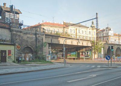 Most přes ulici Křižíkovu - původní stav