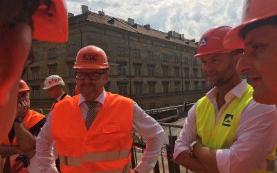 Ministr dopravy na Negrelliho viaduktu